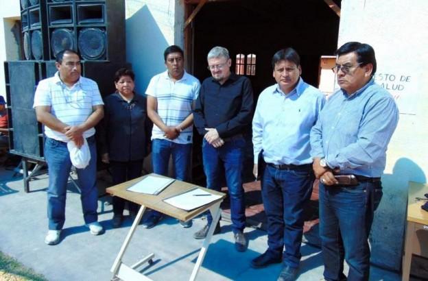 1-Comisionados municipales de Purmamarca, Tumbaya y Volcán firman el convenio con el intendente de Cosquín