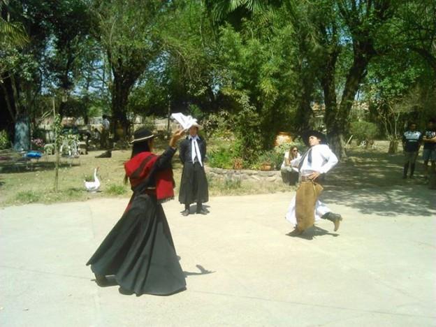 1-Dama Gaucha Tradicional Salteña (2)