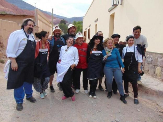1-los-chefs-participantes-e-integrantes-de-la-comuna-en-el-paisaje-purmamarqueno