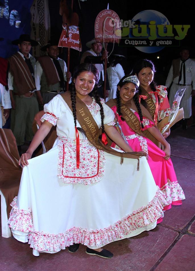 1-Paisana provincial y sus donosas 2