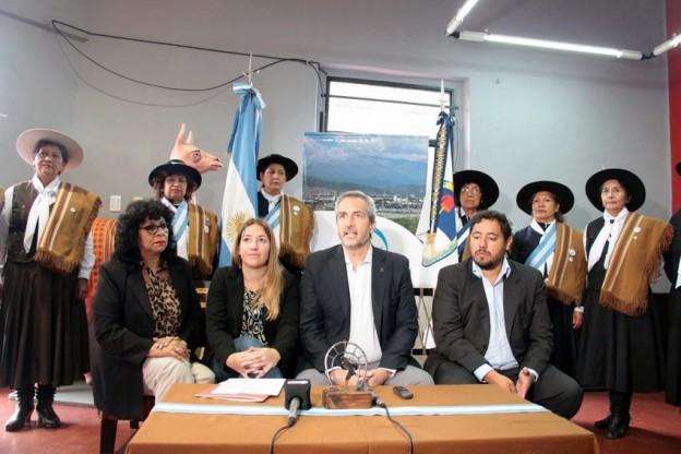 1-conferencia de prensa homenaje a la mujer gaucha 2