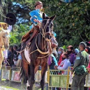 1-desfile-BICENTENARIO-DEL-DÍA-GRANDE-DE-JUJUY-11