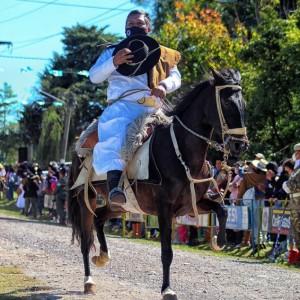 1-desfile-BICENTENARIO-DEL-DÍA-GRANDE-DE-JUJUY-12
