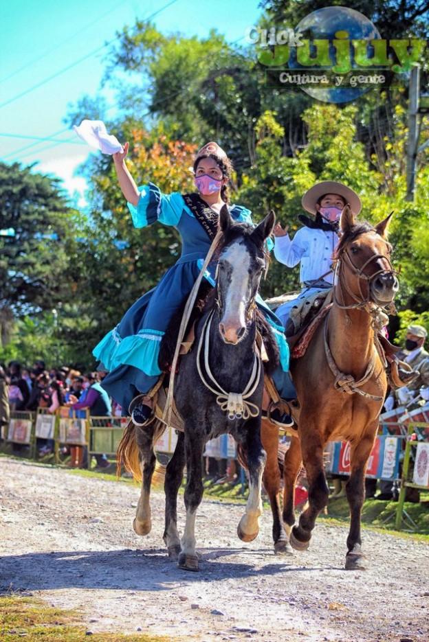 1-desfile-BICENTENARIO-DEL-DÍA-GRANDE-DE-JUJUY-14