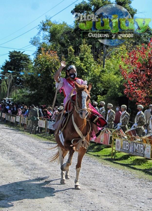 1-desfile-BICENTENARIO-DEL-DÍA-GRANDE-DE-JUJUY-19