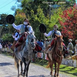 1-desfile-BICENTENARIO-DEL-DÍA-GRANDE-DE-JUJUY-21