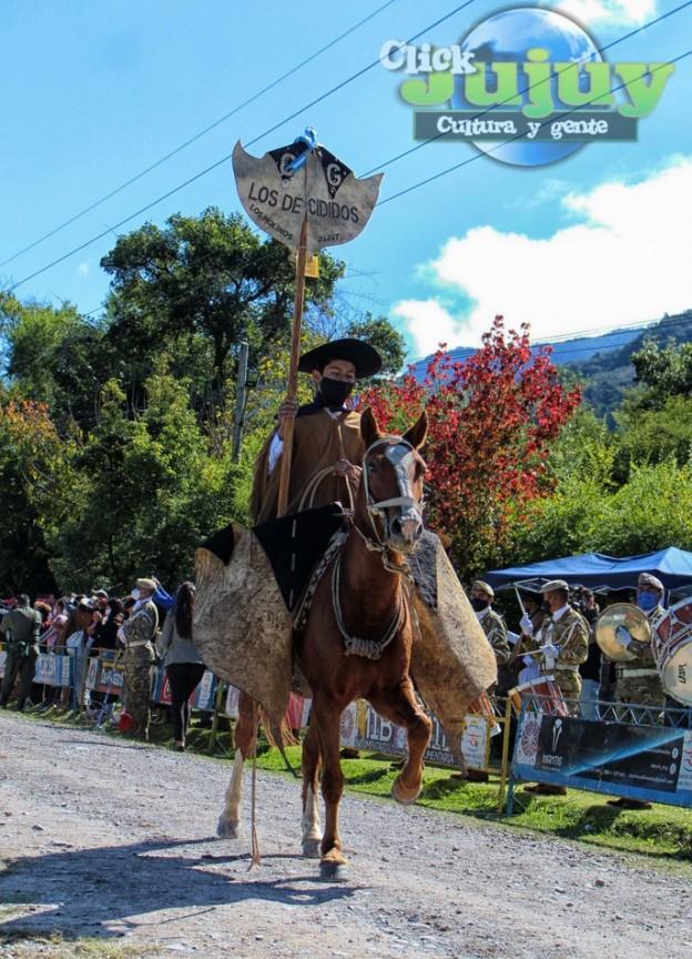 1-desfile-BICENTENARIO-DEL-DÍA-GRANDE-DE-JUJUY-22