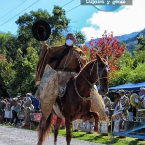 1-desfile-BICENTENARIO-DEL-DÍA-GRANDE-DE-JUJUY-23