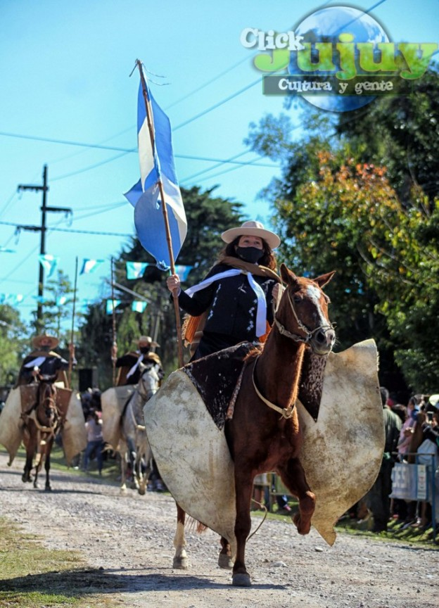 1-desfile-BICENTENARIO-DEL-DÍA-GRANDE-DE-JUJUY-26