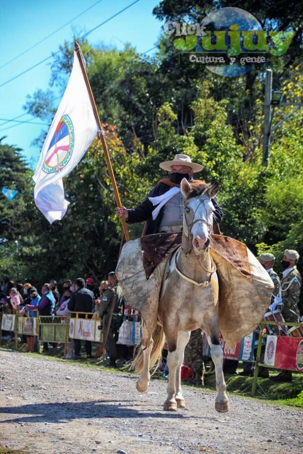 1-desfile-BICENTENARIO-DEL-DÍA-GRANDE-DE-JUJUY-28