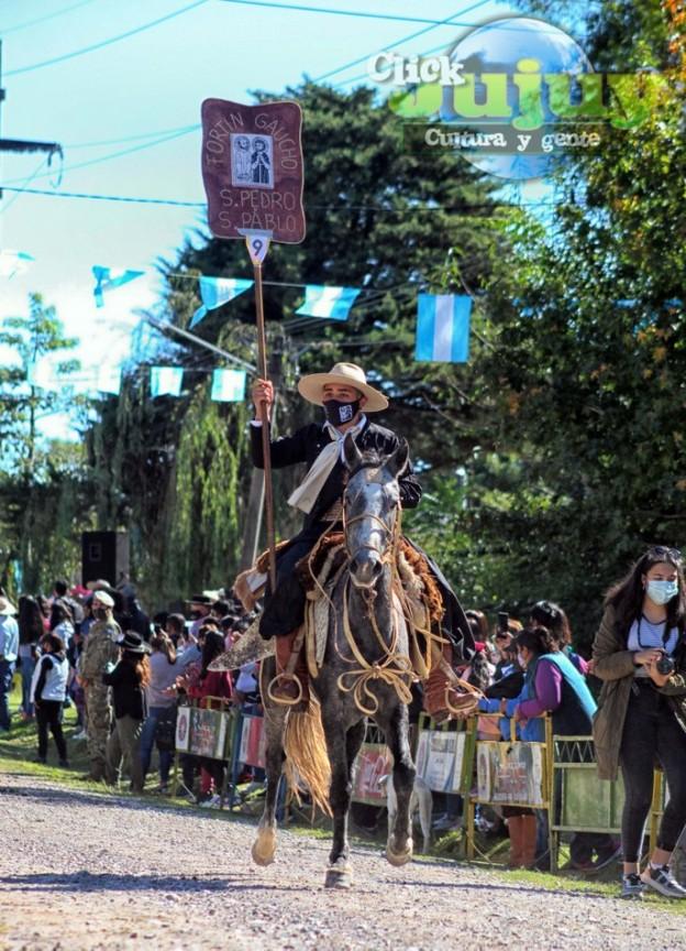 1-desfile-BICENTENARIO-DEL-DÍA-GRANDE-DE-JUJUY-31