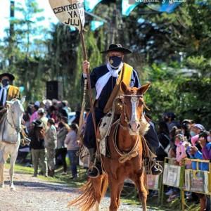 1-desfile-BICENTENARIO-DEL-DÍA-GRANDE-DE-JUJUY-34