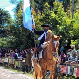 1-desfile-BICENTENARIO-DEL-DÍA-GRANDE-DE-JUJUY-35