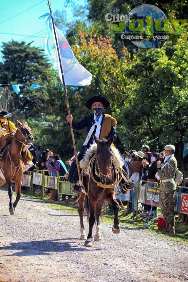 1-desfile-BICENTENARIO-DEL-DÍA-GRANDE-DE-JUJUY-36