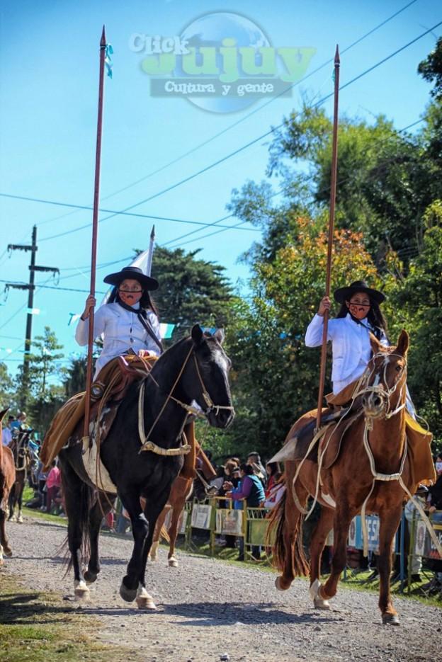 1-desfile-BICENTENARIO-DEL-DÍA-GRANDE-DE-JUJUY-42