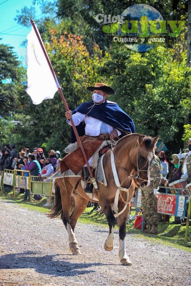 1-desfile-BICENTENARIO-DEL-DÍA-GRANDE-DE-JUJUY-45