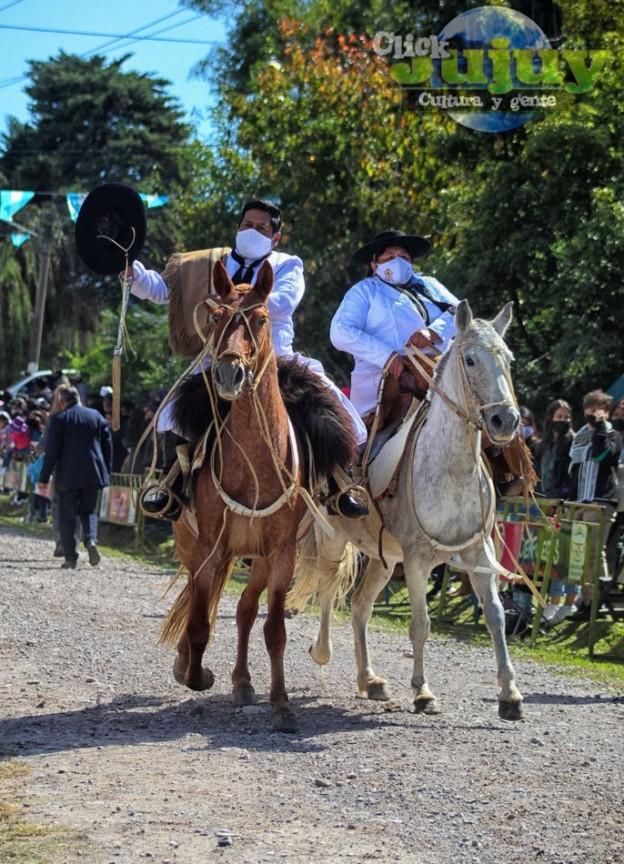1-desfile-BICENTENARIO-DEL-DÍA-GRANDE-DE-JUJUY-49