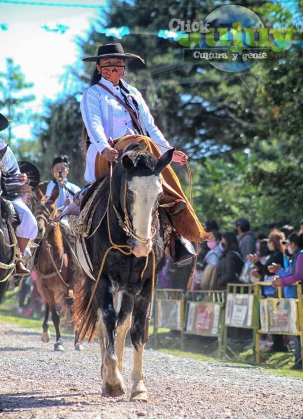 1-desfile-BICENTENARIO-DEL-DÍA-GRANDE-DE-JUJUY-51