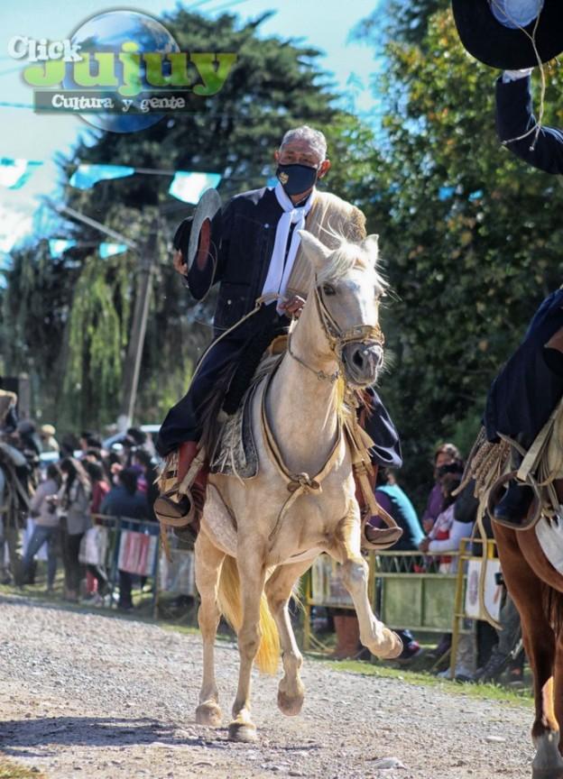 1-desfile-BICENTENARIO-DEL-DÍA-GRANDE-DE-JUJUY-55