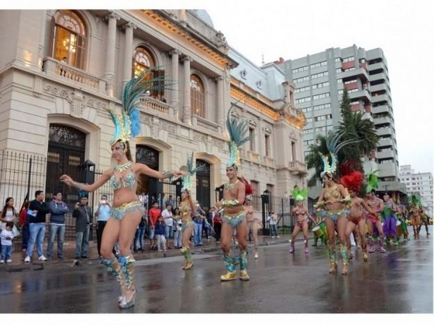 1-presentaron-en-jujuy-los-carnavales-de-entre-rios_16352