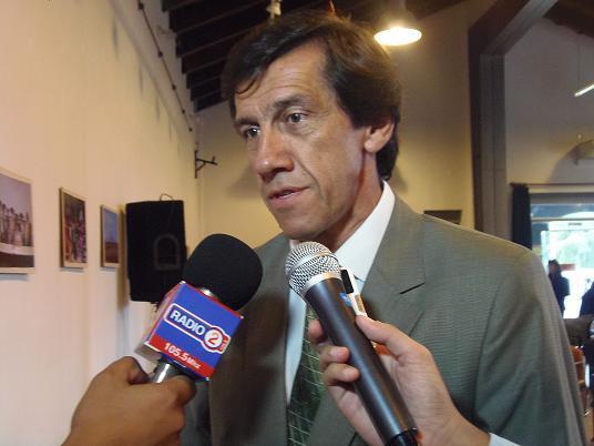 10.03.15 Carlos Sadir en el homenaje a la Mujer Jujeña1