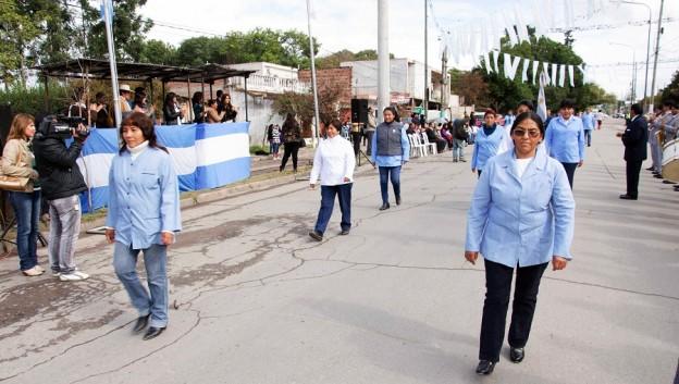 13.05.16 desfile en Chijra