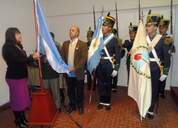19.05.15 Izamiento de Bandera sesion especial