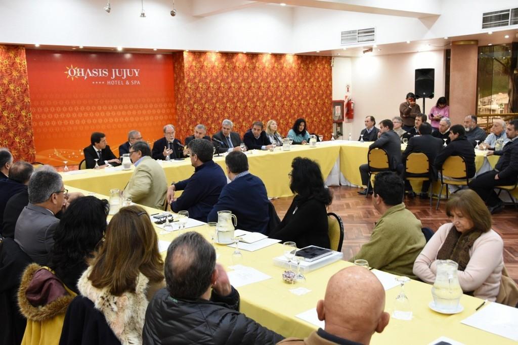 BENEPLÁCITO POR LA FIRMA DE CONVENIOS PARA FAVORECER A EMPRENDEDORES TURÍSTICOS (1)