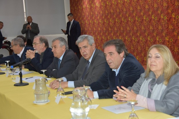 BENEPLÁCITO POR LA FIRMA DE CONVENIOS PARA FAVORECER A EMPRENDEDORES TURÍSTICOS (3)