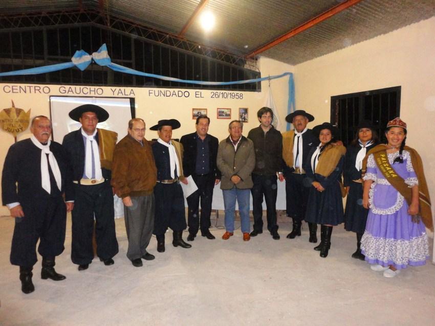 Ciclos de Historia en el Centro Gaucho Yala