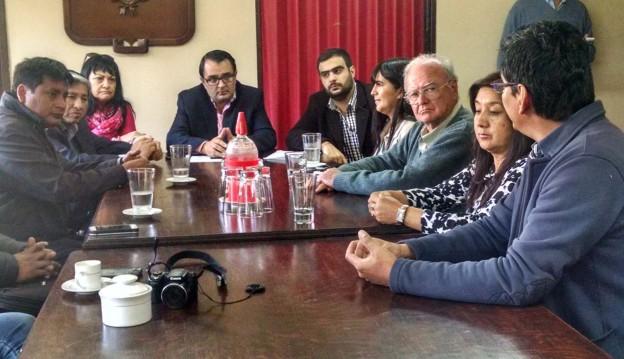 con-el-comisionado-municipal-de-purmamarca-firma-de-convenio