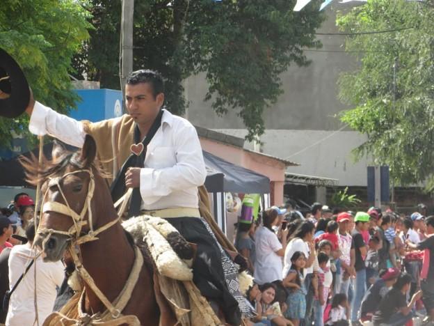 DESFILE GAUCHO FIESTAS PATRONALES 2018 EN HONRAS A NUESTRA VIRGEN DEL VALLE (3)