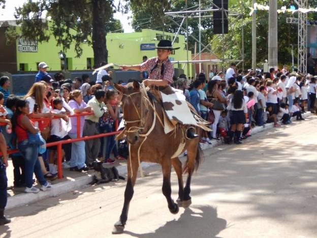 DESFILE GAUCHO FIESTAS PATRONALES 2018 EN HONRAS A NUESTRA VIRGEN DEL VALLE (9)