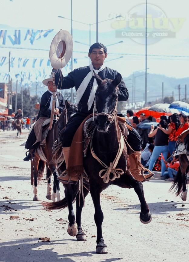 Desfile-gaucho-23-de-agosto-2017-110