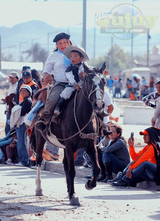 Desfile-gaucho-23-de-agosto-2017-180