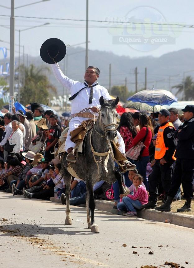Desfile-gaucho-23-de-agosto-2017 (4)