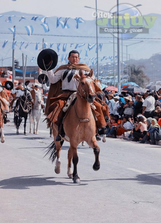 Desfile-gaucho-23-de-agosto-2017-40