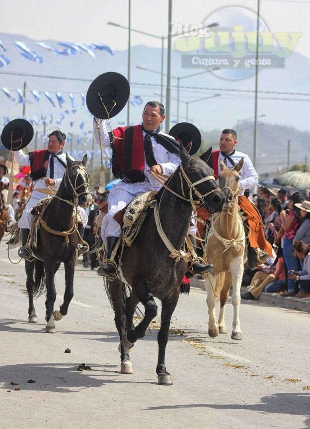 Desfile-gaucho-23-de-agosto-2017-45