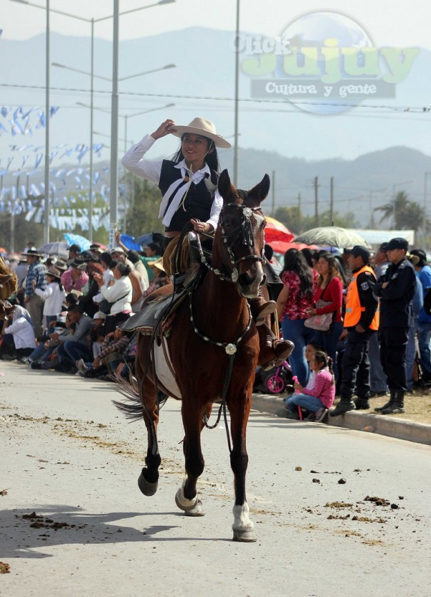 Desfile-gaucho-23-de-agosto-2017 (5)