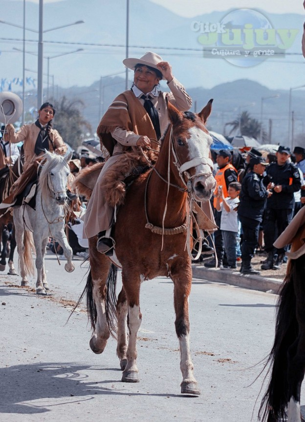 Desfile-gaucho-23-de-agosto-2017-89