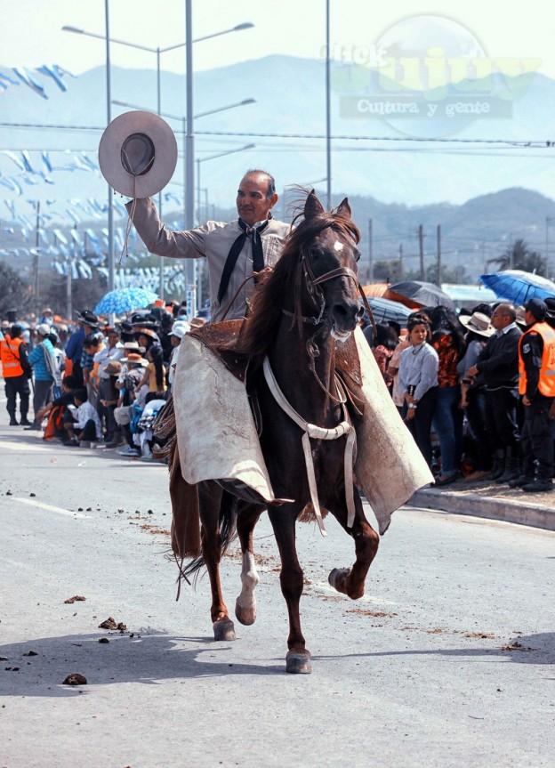 Desfile-gaucho-23-de-agosto-2017-9