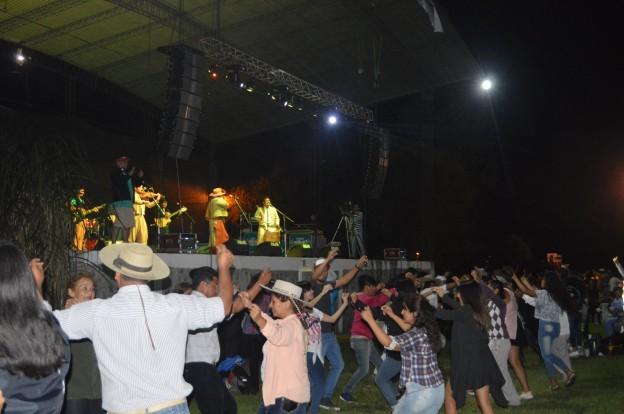 EXITOSO FESTIVAL PROVINCIAL DEL PEJERREY EN EL CARMEN (23)