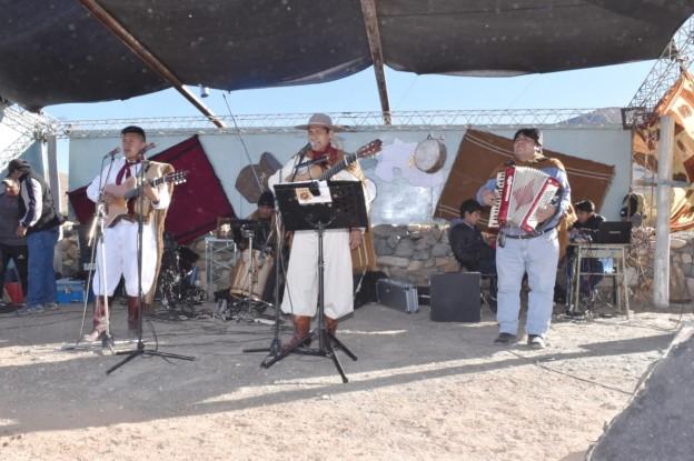 El Aguilar realizó la ceremonia de la Corpachada a la Pachamama (2)