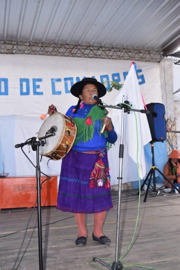 El tradicional jueves de comadres se celebró a pleno en El Aguilar (13)