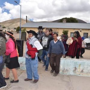 El tradicional jueves de comadres se celebró a pleno en El Aguilar (14)