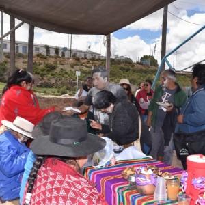 El tradicional jueves de comadres se celebró a pleno en El Aguilar (16)