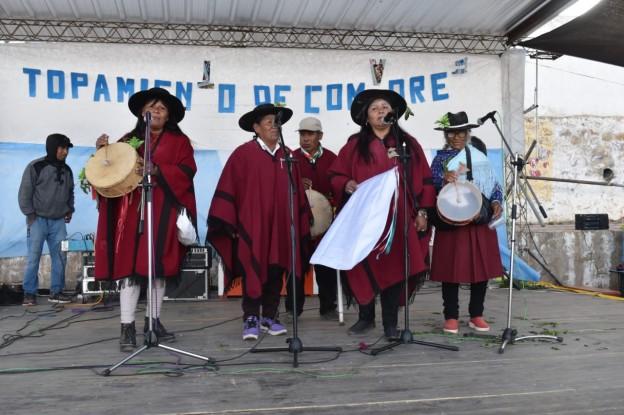 El tradicional jueves de comadres se celebró a pleno en El Aguilar (2)