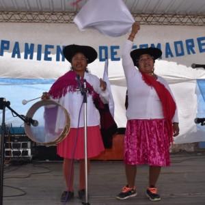 El tradicional jueves de comadres se celebró a pleno en El Aguilar (3)