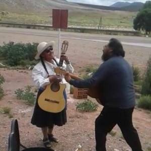 El tradicional jueves de comadres se celebró a pleno en El Aguilar (4)