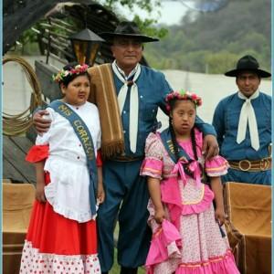 Elección-de-paisana-Coronación-de-Minipaisana-y- Miss-Corazón-de-la-Agrupacion- Gaucha-San-jose-de-Chijra (2)